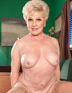 Miss jewell mature porn star