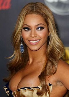 Beyonce Knowles Gold Dress.JPG