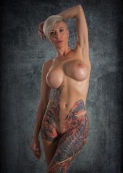 Stars Nude Tania Vazquez Images